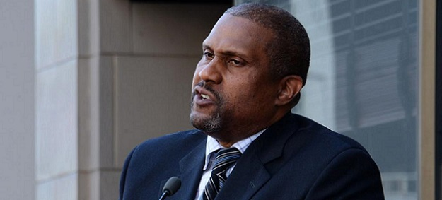 Tavis Smiley Ordered To Pay PBS $1.5 Million For Violating Morals Clause!